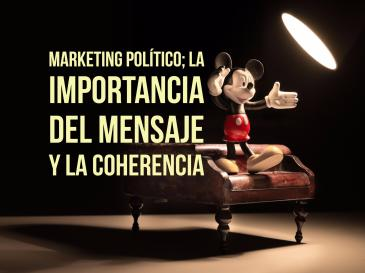 marketing político, mickey mouse dando un discurso sobre un sofá